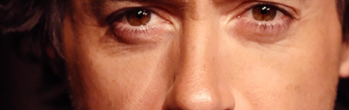 Comic Con 2012 – Robert Downey Jr Surprises the Kids