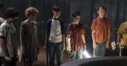 IT Chapter 2 starts Production with a cast photo!