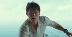 Tom Holland & Mark Walhberg in UNCHARTED